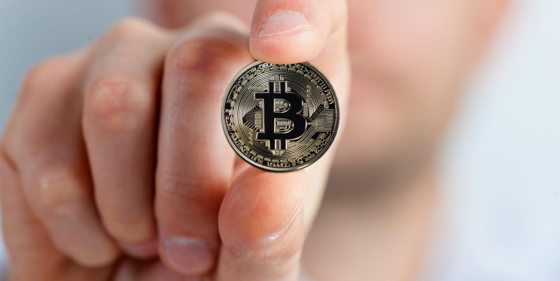 Jak wymieniać waluty przez internet?