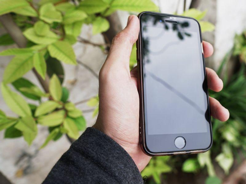 Wyślij telefon i wymień szybkę iPhone'a 7 bez wizyty w salonie