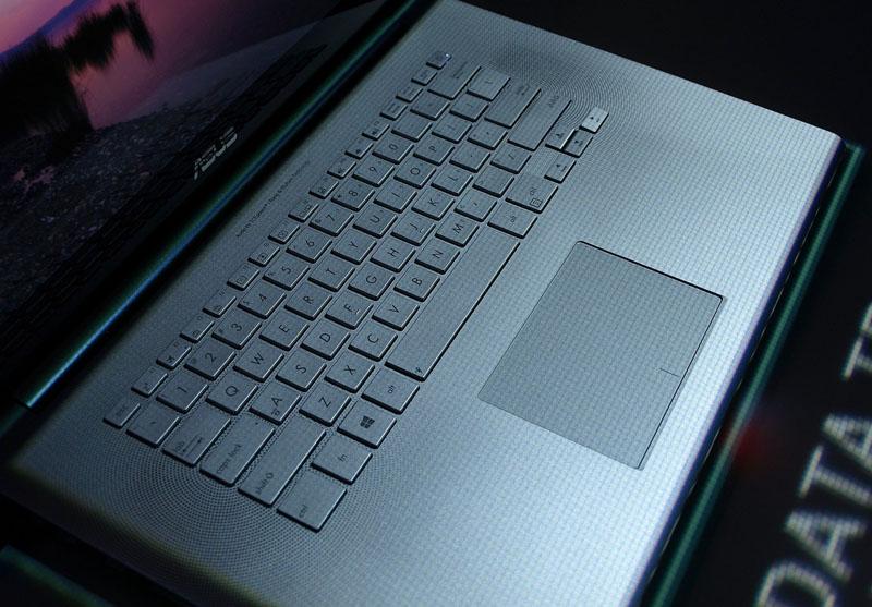 Prawie jak MacBook Pro - czyli trochę na temat  ASUS Zenbook NX500