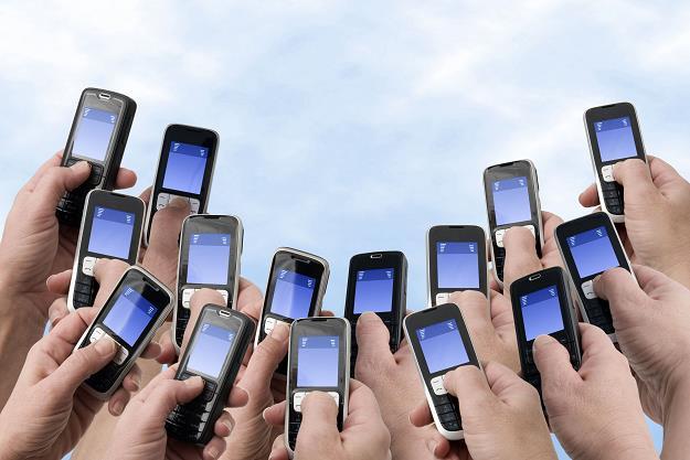 Zaostrza się walka o klientów telefonii komórkowej