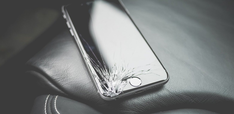 Na czym polega wymiana szybki w telefonie?