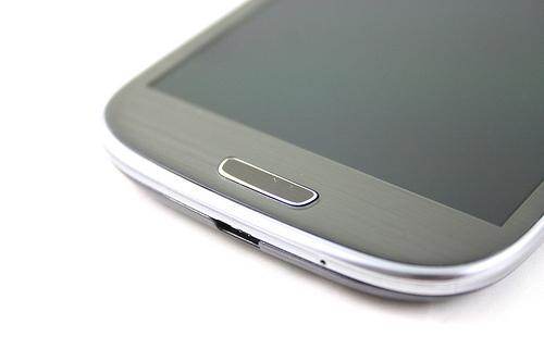 Tani smartfon – gorszy od markowych modeli?
